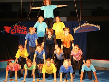 FOTO: Hromadná akrobacie na Circus Culture 4 Europe