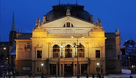 FOTO: Budova Velkého divadla DJKT v Plzni