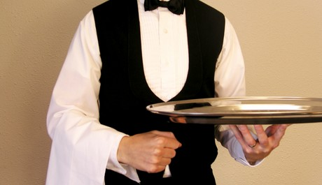 FOTO: Číšník