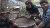 FOTO: Ekologický projekt stavby obydlí z bahna