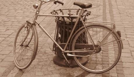 FOTO: Jízdní kolo využívá mnoho lidí k dopravě do centra měst