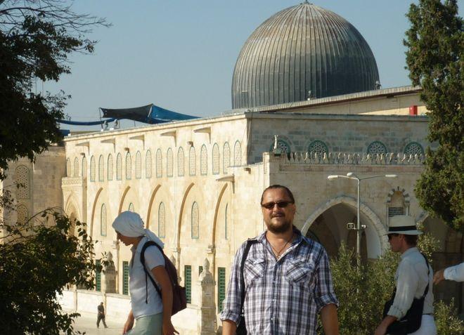 FOTO: Jiří Walker Procházka před mešitou Al-Aksá v Jeruzalémě