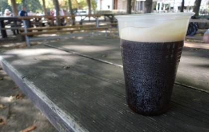 FOTO: Káva se stánku na Letné