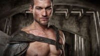 FOTO: Herec Andy Whitfield jako Spartakus ve stejnojmenném seriálu