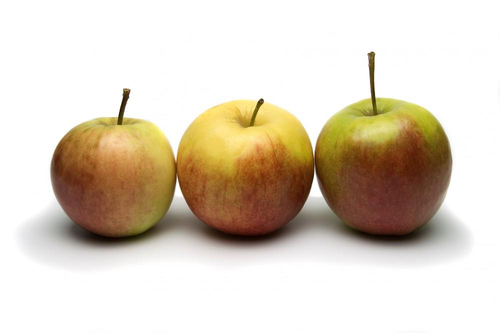 FOTO: 3 jablka