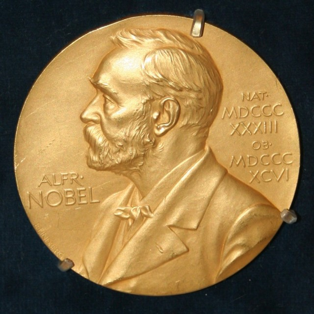 FOTO: Nobelo cena, Zdroj: Wikipedia.com