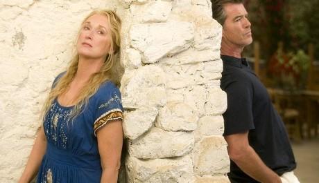 FOTO: Pierce Brosnan a Meryl Streep ve slavném muzikálu Mamma Mia!