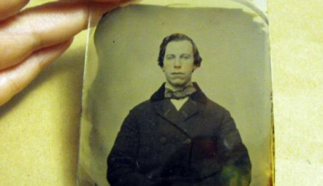 FOTO: John Travolta (prý) z roku 1860