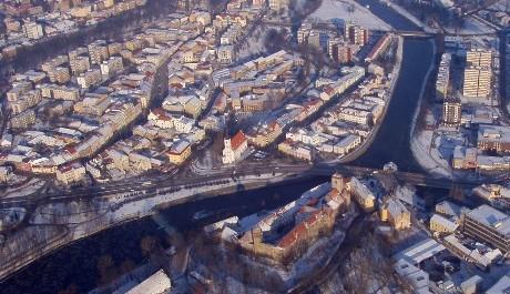 FOTO: Letecký pohled na spisovatelovy zasněžené rodné Strakonice