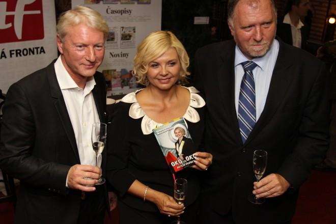 Daniela Kovářová s kmotry nové knížky