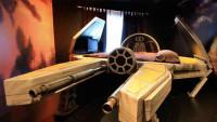 FOTO: Postel alá stíhačka ze Star Wars
