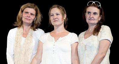 FOTO: Zuzana Bydžovská, Tereza Gübelová a Eva Holubová