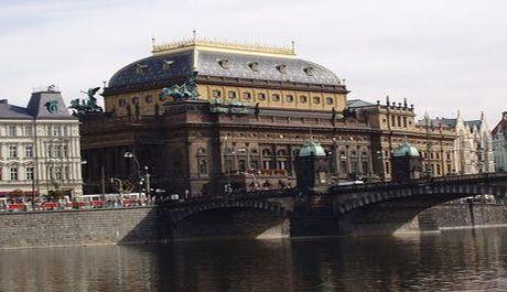 OBR: národní divadlo