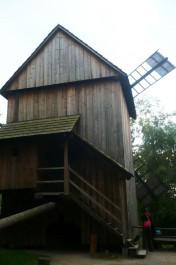 FOTO: větrný mlýn v Rožnově