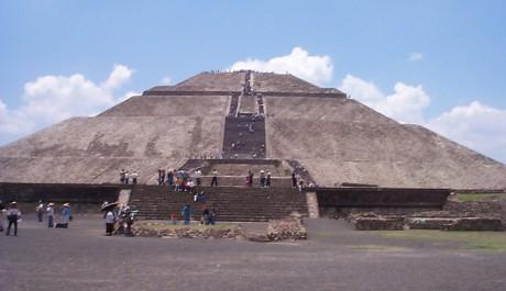 FOTO: Pyramida Slunce je nejvyšší budovou v Teotihuacánu