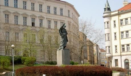 FOTO: Socha Karla Havlíčka Borovského, Havlíčkovo náměstí na Žižkově