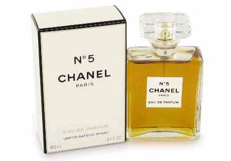 FOTO: Parfém Chanel No.5