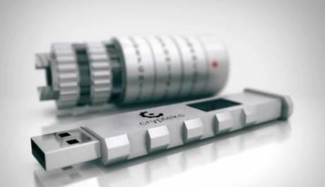 FOTO: Flashdisk ve tvaru románového kryptexu