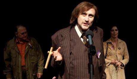 FOTO: Miroslav Hruška, Marek Pospíchal a Kristýna Frejová v inscenaci Smíchoff/on ve Švandově divadle