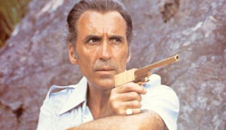 FOTO:Scaramanga - Muž se zlatou zbraní