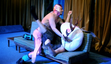 FOTO: Nová inscenace Perplex v divadle Rokoko