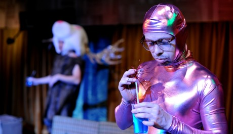 FOTO: Viktor Dvořák v nové inscenaci Perplex v divadle Rokoko