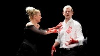 FOTO: Štěpánka Křesťanová (Lady Macbeth) a Martin Stránský (Macbeth) v plzeňském Macbethovi
