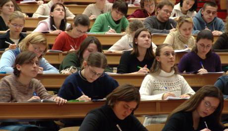 FOTO: studenti, Zdroj: scx.cz