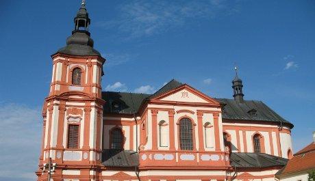 FOTO: Kostel Nanebevzetí Panny Marie v Přešticích, kde se Ryba narodil
