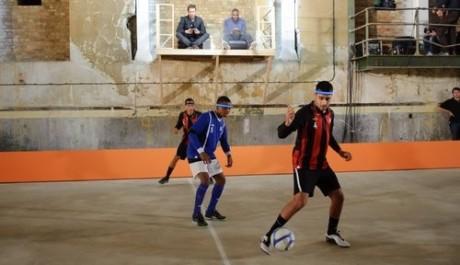 kasabian hrají netradiční fotbal