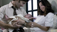 FOTO: Avner se ženou a dítětem