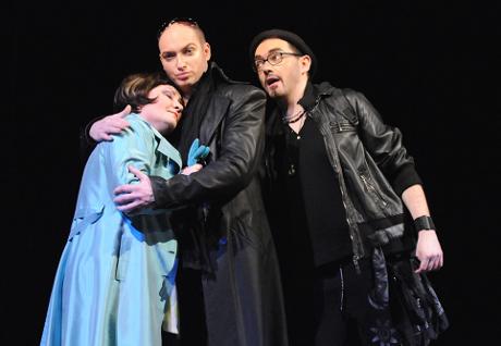 FOTO: Ivana Šaková, Jiří Hájek a Josef Škarka v Mozartově opeře Don Giovanni (DJKT, 2012)