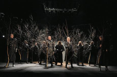 FOTO: Birnamský les v Shakespearově Macbethovi (DJKT, 2011)