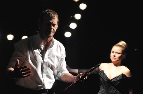 FOTO: Martin Stránský a Štěpánka Křesťanová v Shakespearově Macbethovi (DJKT, 2011)