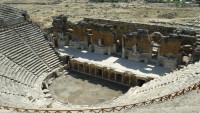 FOTO: Amfiteátr v tureckém Pamukale