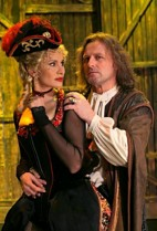 FOTO: Athos a Mylady v muzikálu Tři mušketýří