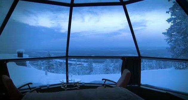 FOTO: Pohled z proskleného a vyhřívaného iglú