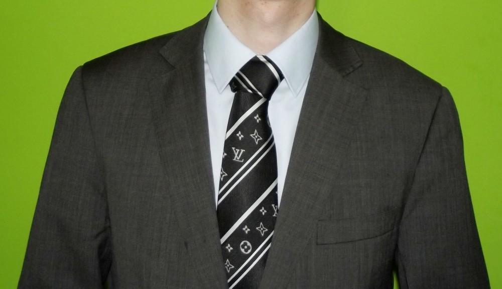 FOTO: Oblek a kravata