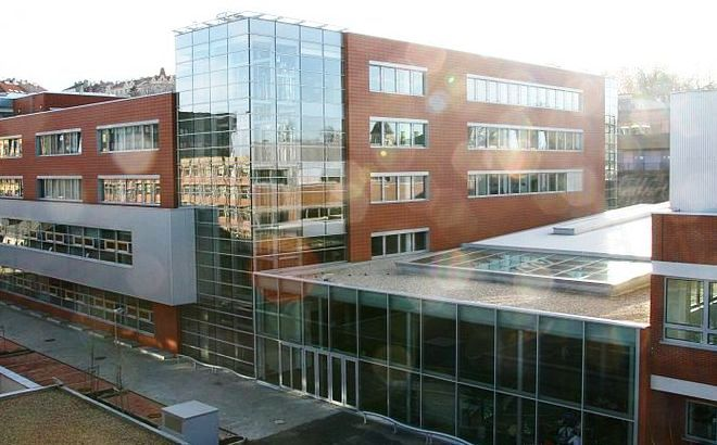 Vysoká škola ekonomická v Praze, Zdroj: wikipedia.ogr
