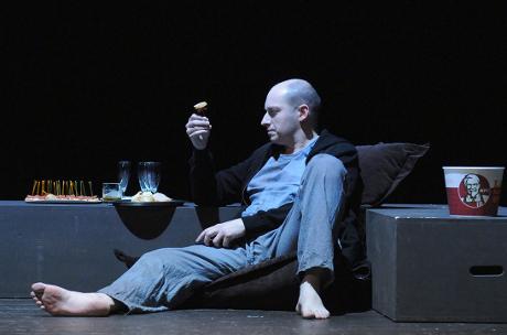 FOTO: Jiří Hájek v titulní roli Mozartovy opery Don Giovanni (DJKT, 2012)