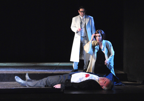 FOTO: Tomáš Kořínek, Anna Klamo a Pavel Horáček v Mozartově opeře Don Giovanni (DJKT, 2012)