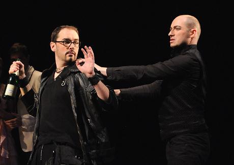FOTO: Josef Škarka a Jiří Hájek v Mozartově opeře Don Giovanni (DJKT, 2012)