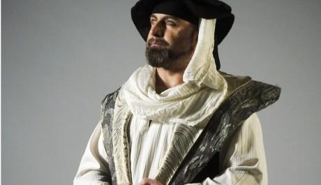 Fitting kostymu muzikalu Lucrezia Borgia