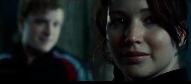 FOTO: Katniss bojuje nejen za svou záchranu, Zdroj. youtube.com
