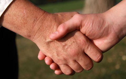 FOTO: Podání rukou, ilustrační snímek