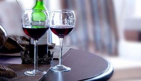 FOTO: Sklenice vína