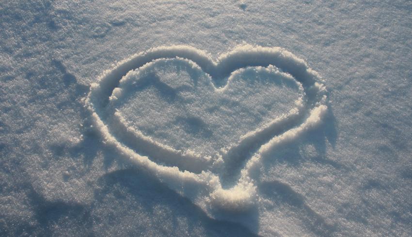 FOTO: Srdce ve sněhu