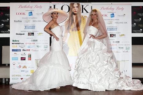 FOTO: Svatební šaty