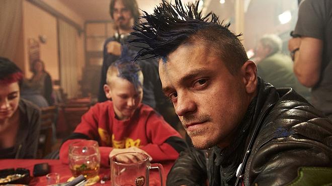 FOTO: Punker Jiří Mádl z filmu Čtyři slunce