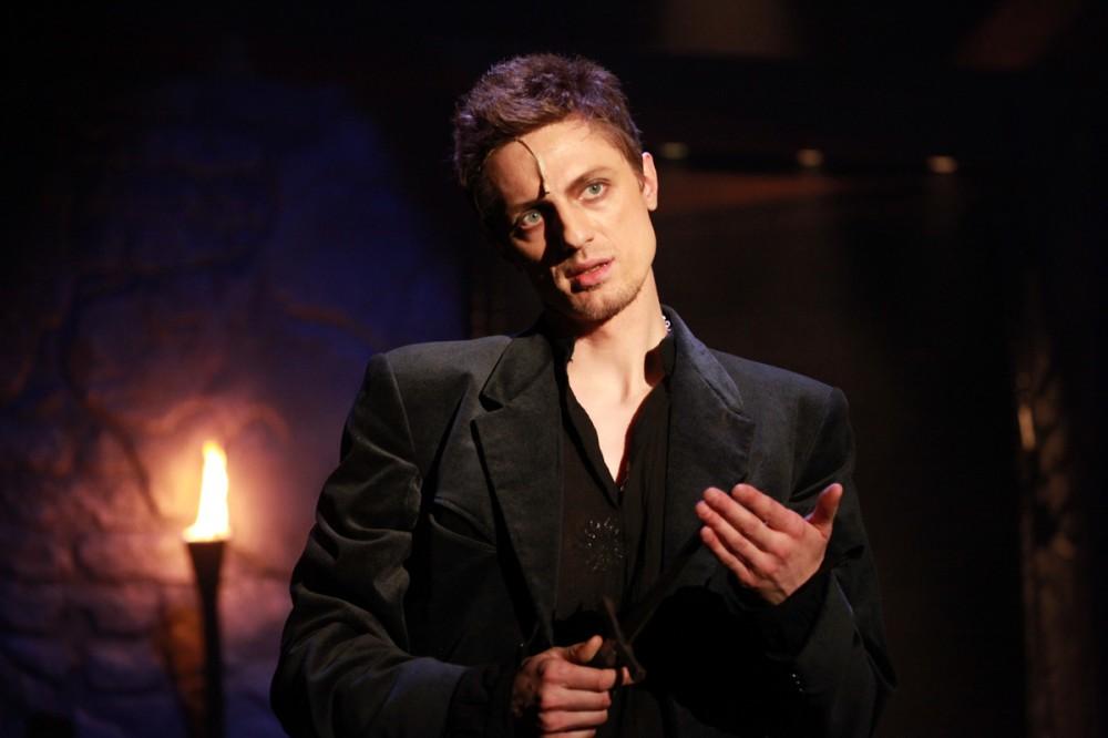 FOTO: Ondřej Ruml jako Hamlet v Divadle Broadway